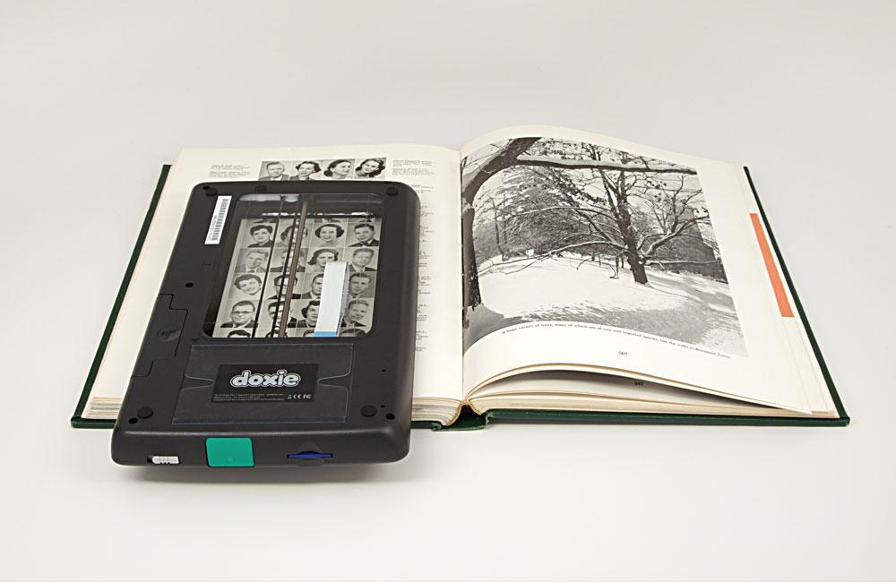 Doxie-Flip-mobiler-Scanner-mit-Akku-Flachbett