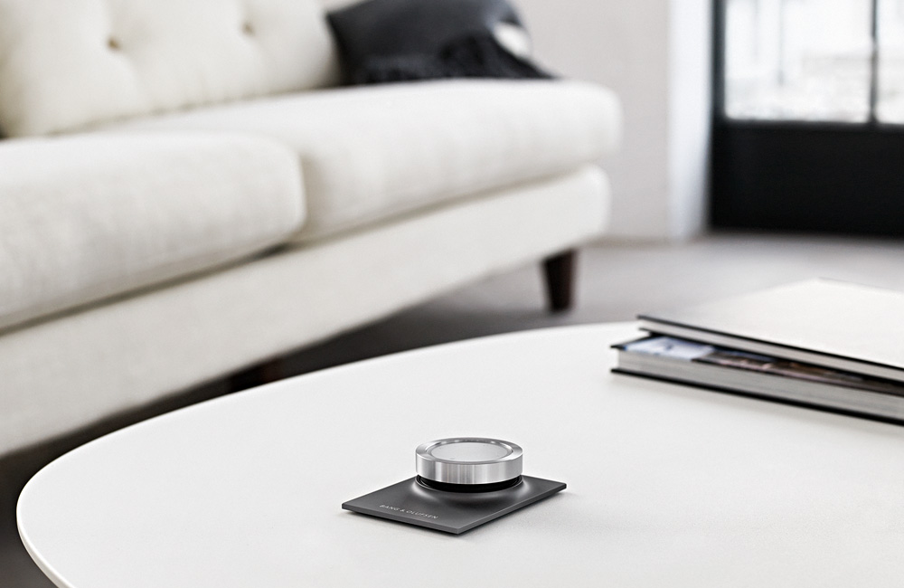 Bang-Olufsen-BeoPlay-Essence-Remote-Fernbedienung-Table-Tisch