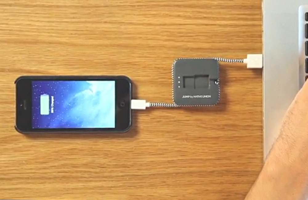 Native-Union-Jump-Smartphone-iPhone-Ladekabel-mit-Akku