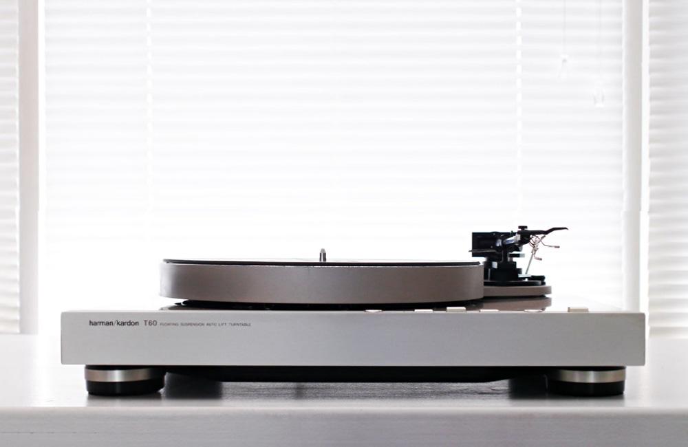 HiFi-Classics-Harman-Kardon-T60-Plattenspieler-Turntable-Image©-sam--z-1