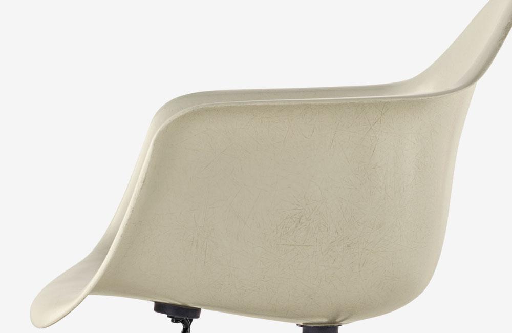 Herman-Miller-Eames-Fiberglass-Arm-Chair