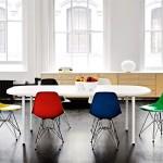 """Die Eames """"Fiberglass Chairs"""" sind wieder da!"""
