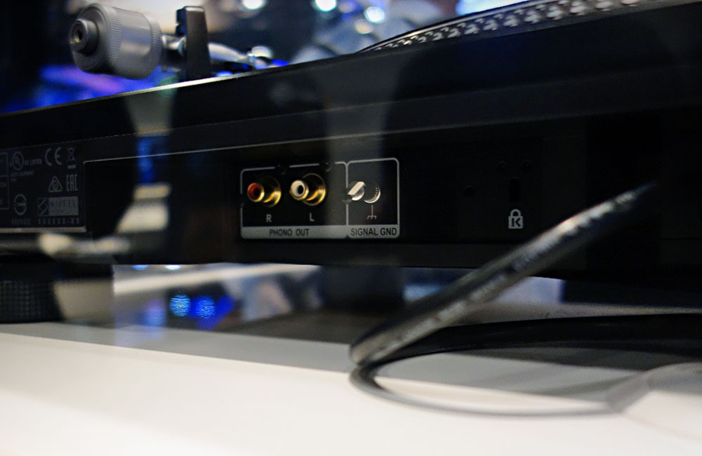 Pioneer-DJ-Turntable-Phono-Connections-Musikmesse-2014