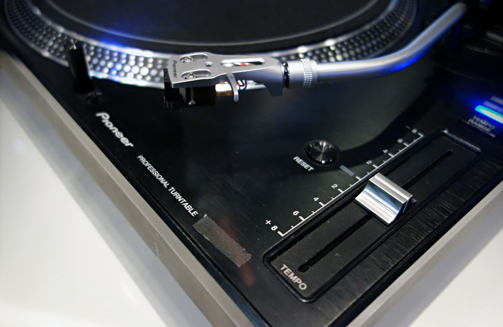 Pioneer-DJ-Turntable-Pitch-Fader-Musikmesse-2014