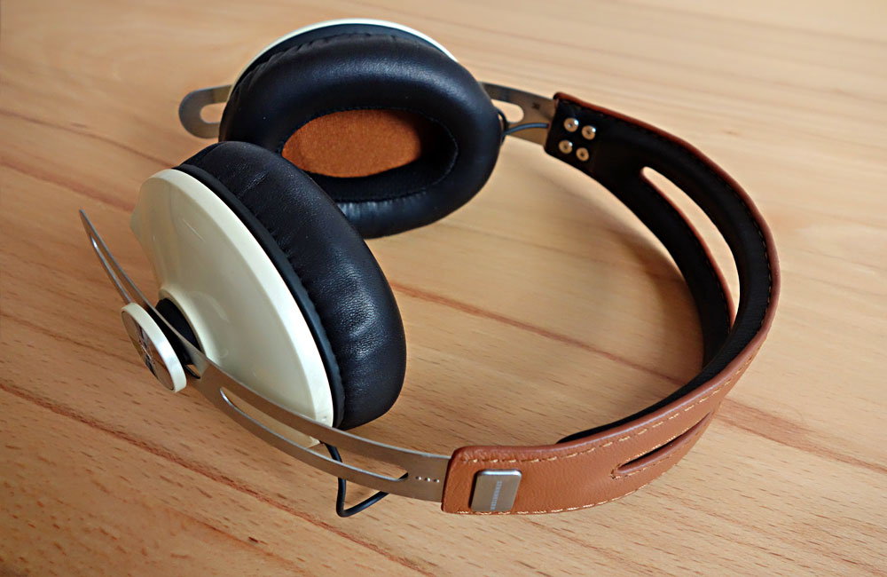 Sennheiser-Momentum-Ivory-Around-The-Ear-01