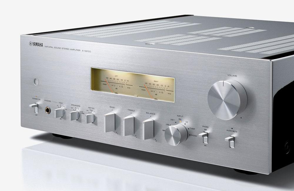 Yamaha--Stereo-Verstaerker-A-S2100-Silber