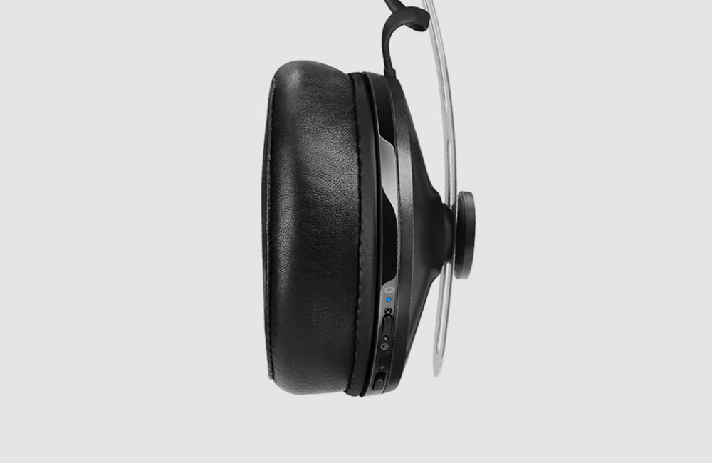 Sennheiser-Momentum-M2-Wireless-Over-Ear-Headphone-Kopfhoerer-Black-Schwarz-Detail