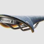 Brooks England x Levi's Commuter: Limitierter Fahrradsattel mit Denim-Bezug