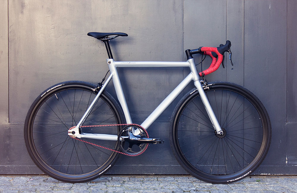 Schindelhauer-Viktor-Red-Race-Limited-Edition-Red-Gates-Carbon-Drive-Singlespeed-Fixed-Gear-2