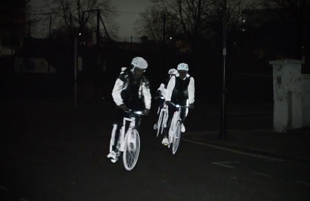 Volvo-Life-Paint-Reflektierendes-Spray-Fahrrad-Kleidung-Strassenverkehr-4
