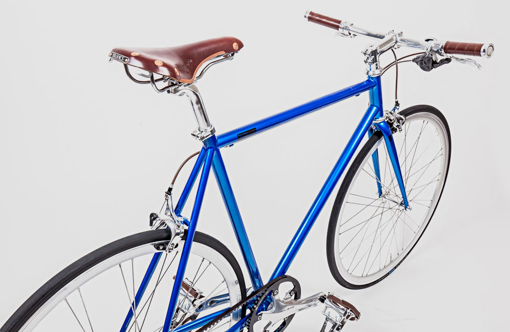 51376e5c009 Zwei neue Urban Bikes von Mika Amaro: Avid Blue und Rocket Silver ...
