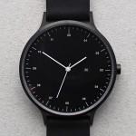 Minimalistische Armbanduhr: INSTRMNT 01