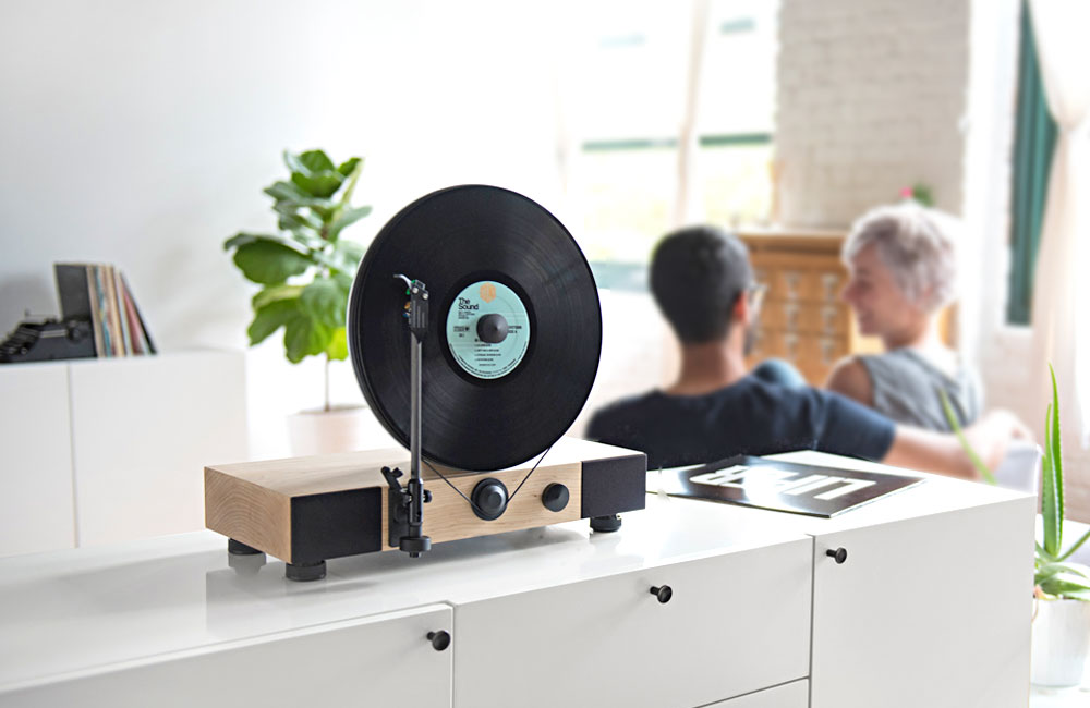 Gramovox-Floating-Record-Vertikaler-Plattenspieler-Vertical-Turntable-1