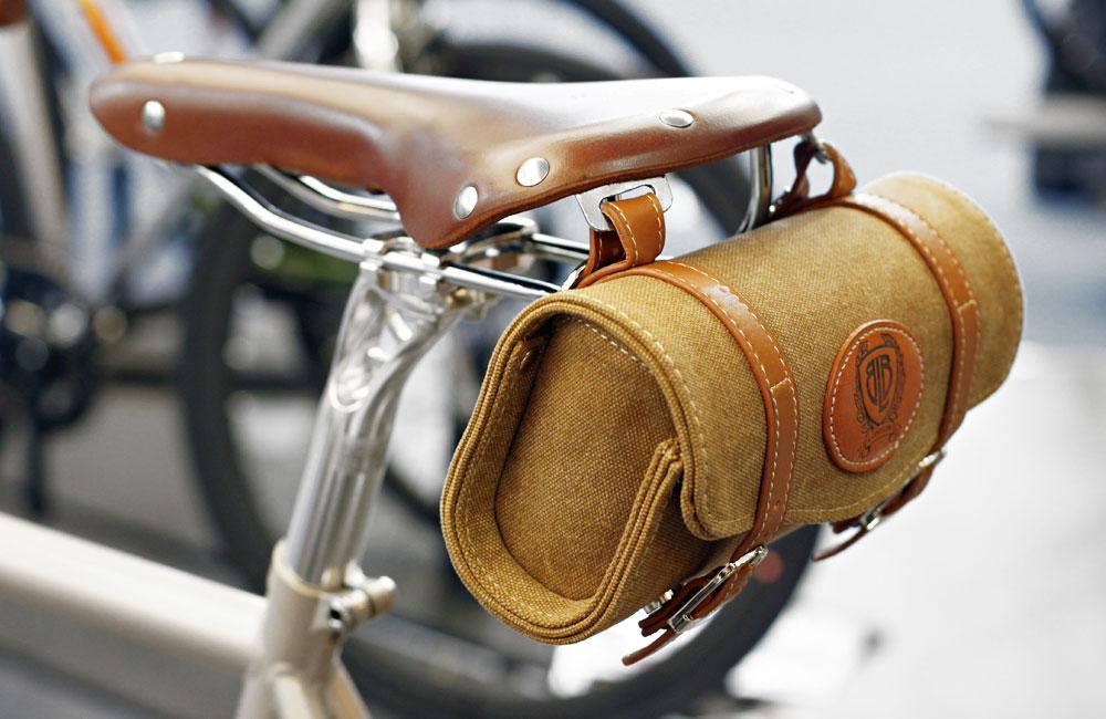 Eurobike-2015-Rundgang-Messe-Besuch-Neuheiten-2016-BLB-Brick-Lane-Bikes-Sattel-Tasche