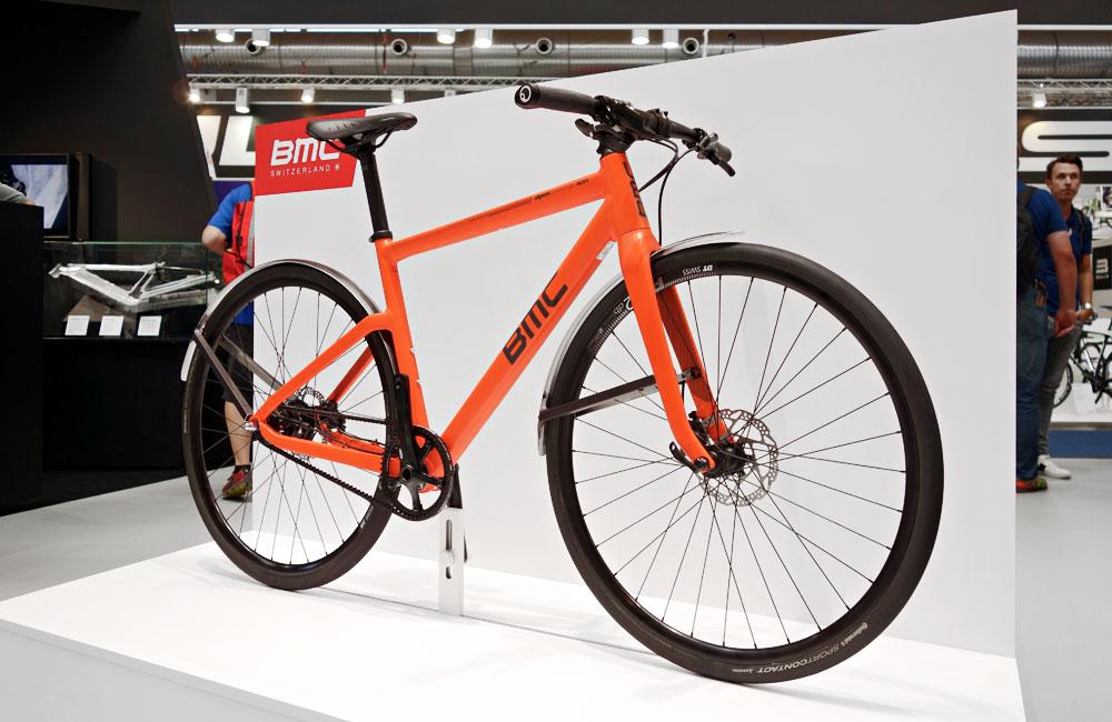 Eurobike-2015-Rundgang-Messe-Besuch-Neuheiten-2016-BMC-Urban-Bike-Gates-Carbon-Drive