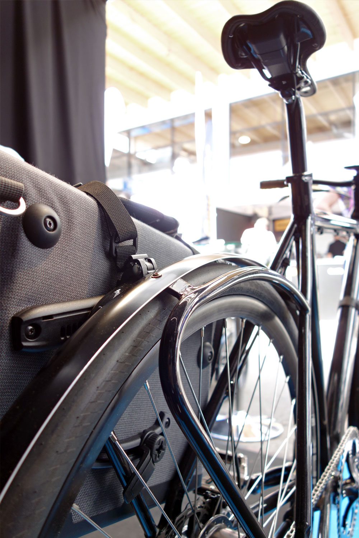 Eurobike-2015-Rundgang-Messe-Besuch-Neuheiten-2016-Coboc-SEVEN-Gepaecktraeger