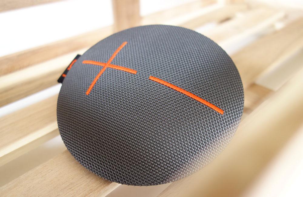 UE-Roll-Mobile-Bluetooth-Speaker-Lautsprecher-Kompakt-Wasserdicht-1