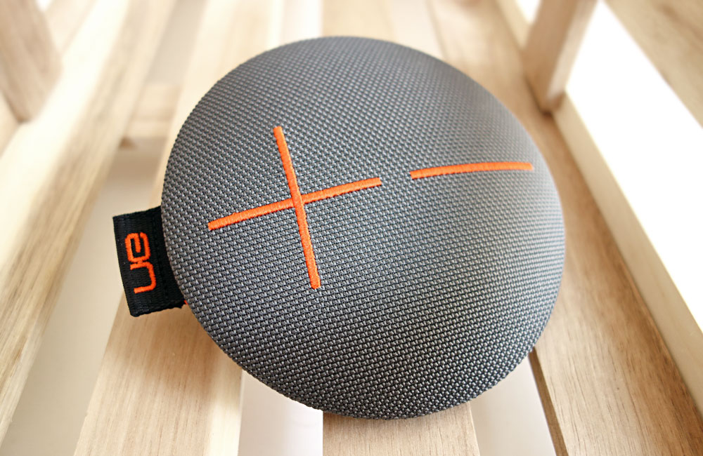 UE-Roll-Mobile-Bluetooth-Speaker-Lautsprecher-Kompakt-Wasserdicht-2