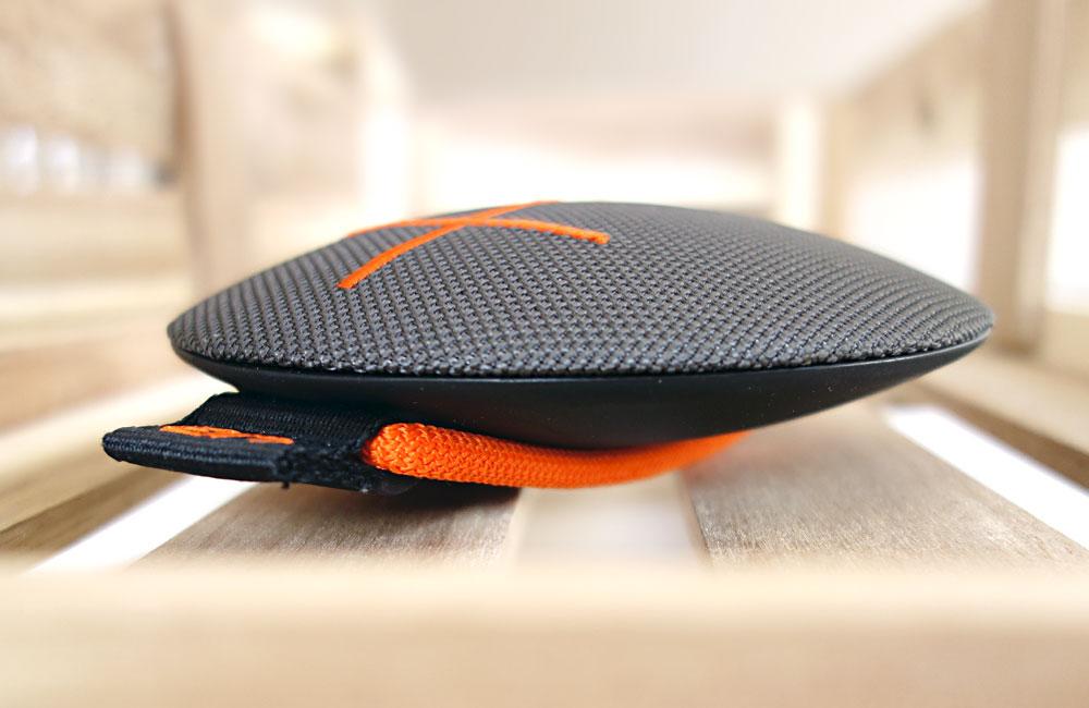 UE-Roll-Mobile-Bluetooth-Speaker-Lautsprecher-Kompakt-Wasserdicht-3