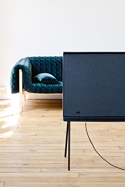 Samsung-Serif-TV-Design-Fernseher-05