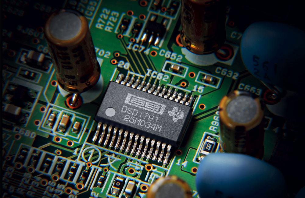 Yamaha-R-N602-Wireless-WiFi-Stereo-HiFi-Receiver-Bluetooth-AirPlay-MultiCast-BurrBrown-Digital-Analog