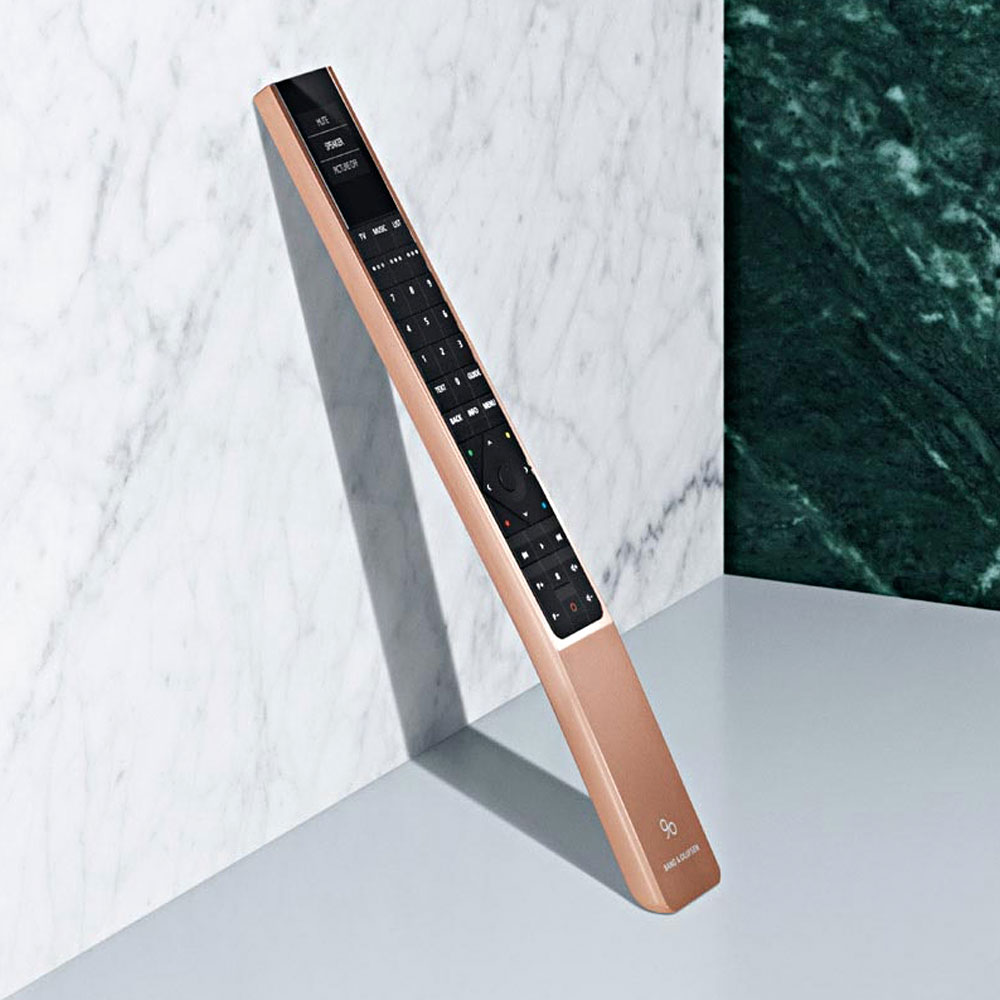 Bang-Olufsen-90-Jahre-Lautsprecher-BeoRemote-One-Rose-Gold-Love-Affair-Collection-2015