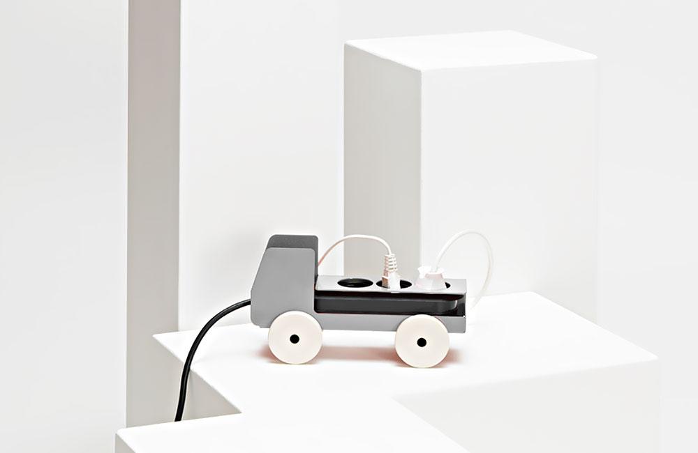 Jörg-Gätjens-Plug-Truck-Mehrfachsteckdose-Design-Details-Produkte-1