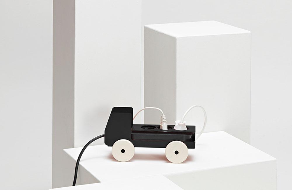 Jörg-Gätjens-Plug-Truck-Mehrfachsteckdose-Design-Details-Produkte-4