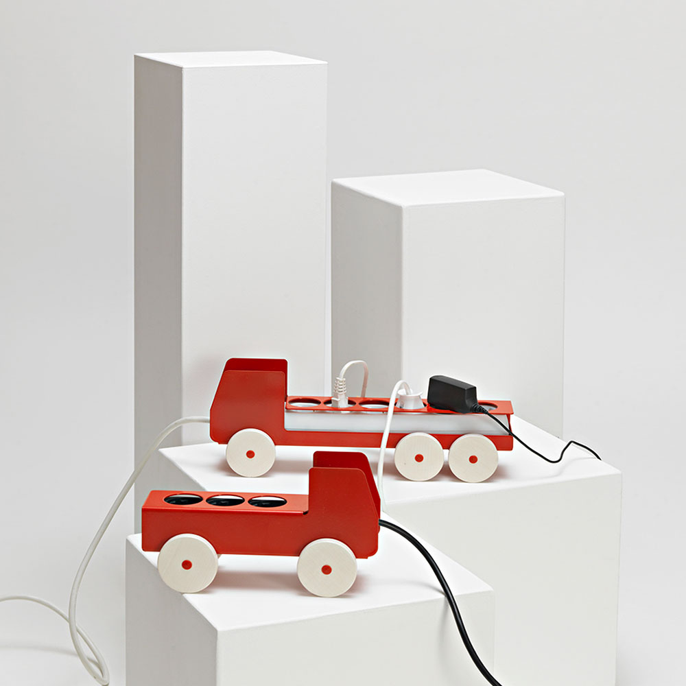 Jörg-Gätjens-Plug-Truck-Mehrfachsteckdose-Design-Details-Produkte-2