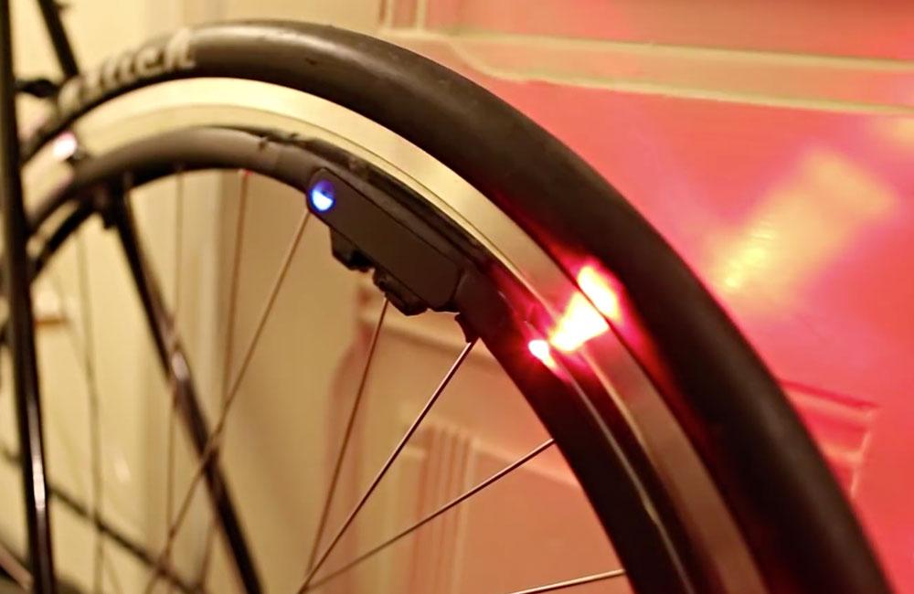Revolights-Eclipse-360-Fahrrad-Beleuchtung-Bluetooth-Smartphone-App-2