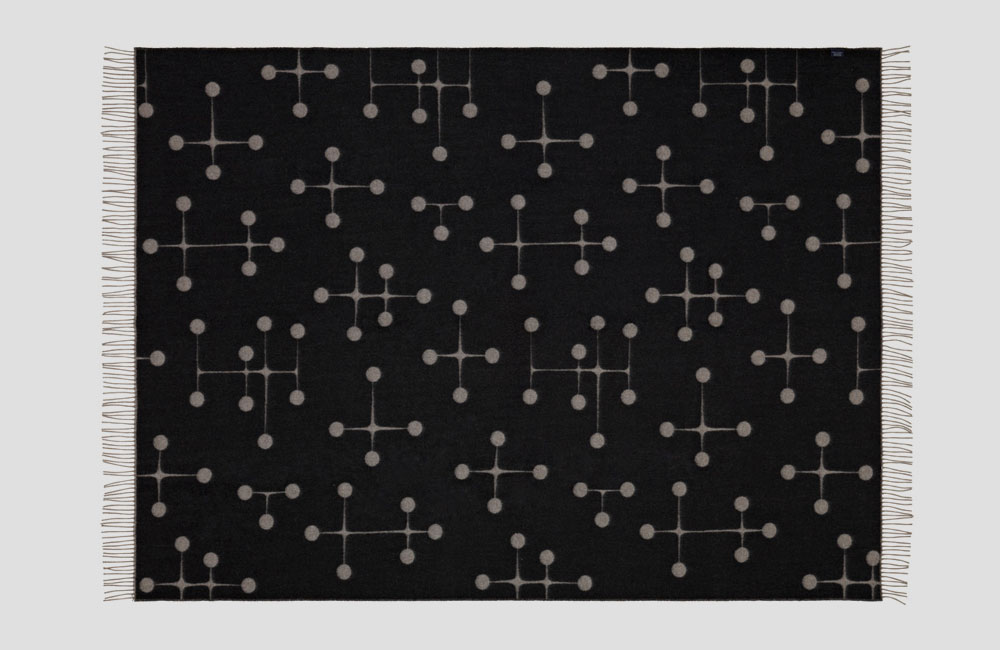 Vitra-Black-Collection-Limited-Edition-2015-Eames-Wolldecke-Blanket