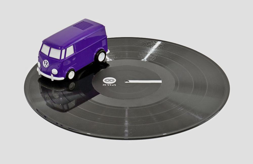 Record-Runner-VW-Bus-Auto-Mini-Mobil-Plattenspieler-Lautsprecher-Vinyl-Killer-1