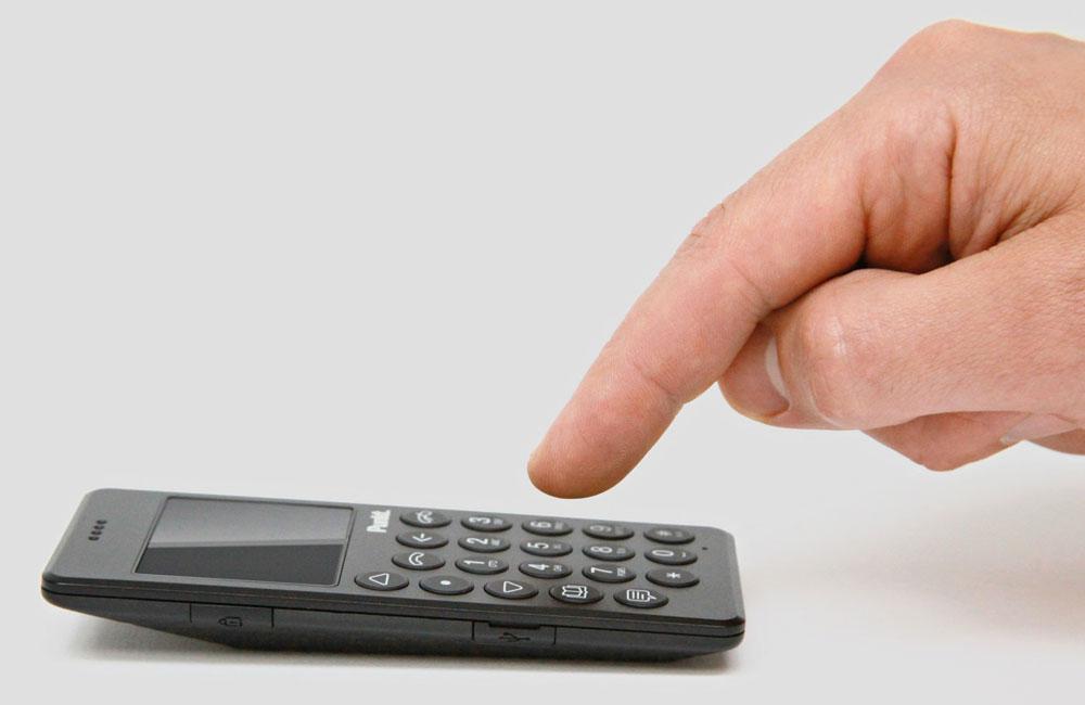 Punkt-MP01-Mobile-Phone-Minimalistisch-Design-Telefon-Handy-03