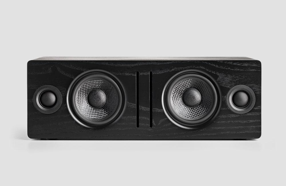 Audioengine-B2-Bluetooth-Lautsprecher-Holz-Gehaeuse-Front-Schwarz