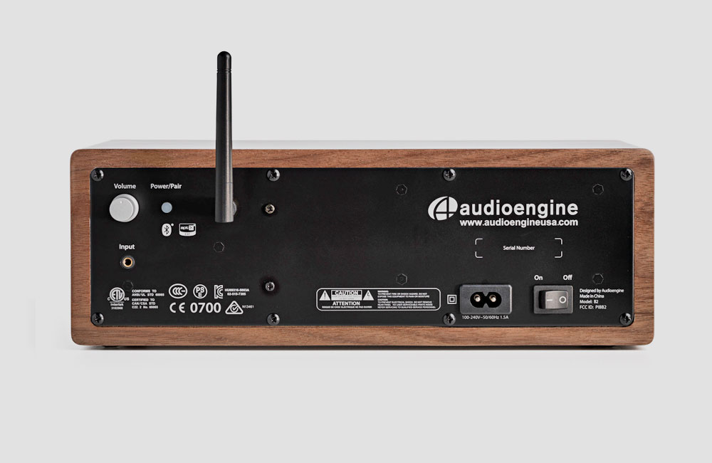 Audioengine-B2-Bluetooth-Lautsprecher-Holz-Gehaeuse-Rueckseite
