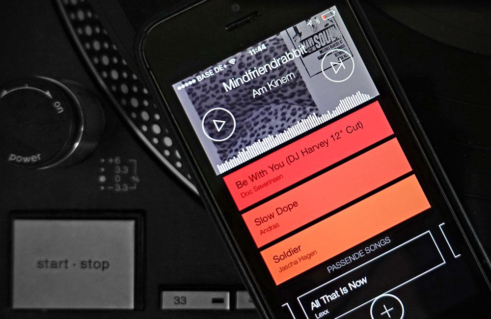 Serato-Pyro-App-DJ-Style-Mixing