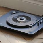 Auf Wunsch auch mit Bluetooth: Alpha und Omega, die neuen Plattenspieler von Elipson