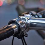 """Knog """"Oi"""": Die Fahrradklingel, die nicht nach Fahrradklingel aussieht"""