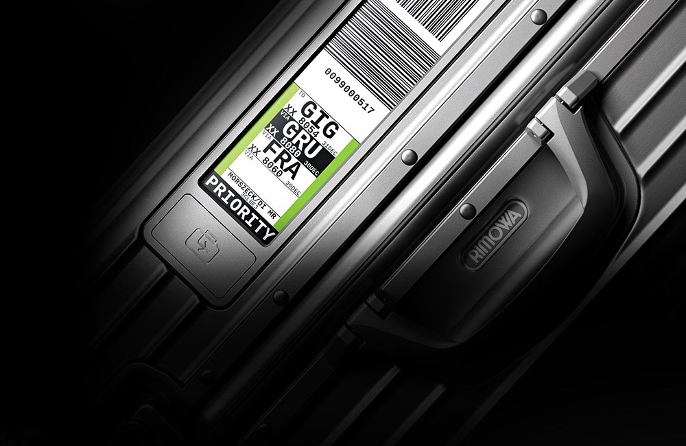 Rimowa-Electronic-Tag-Digitales-Gepaeck-Label-Koffer-1