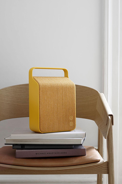 vifa oslo kompakter und mobiler design lautsprecher mit. Black Bedroom Furniture Sets. Home Design Ideas