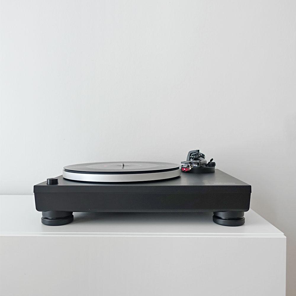 Audio-Technica-LP5-Test-Review-Direct-Drive-HiFi-Turntable-Plattenspieler-Direktantrieb-Staub-Front