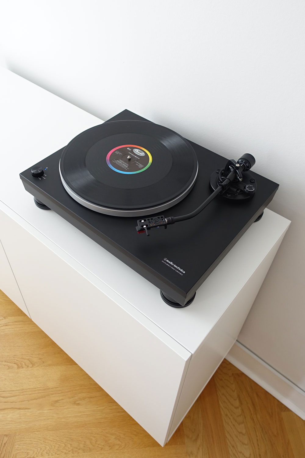 Audio-Technica-LP5-Test-Review-Direct-Drive-HiFi-Turntable-Plattenspieler-Direktantrieb-Staub-Mood
