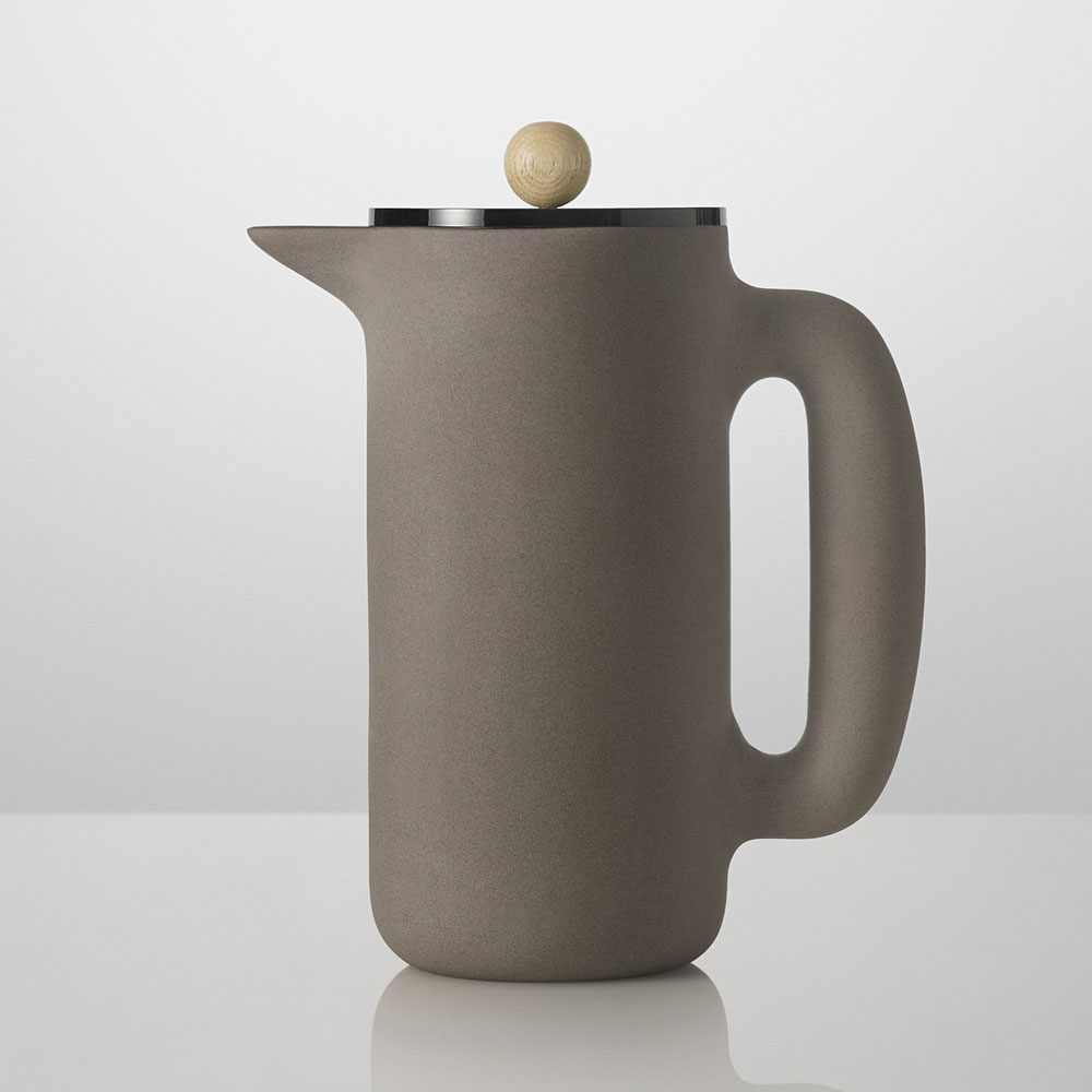 muuto-push-coffee-maker-french-press-kaffee-zubereiter
