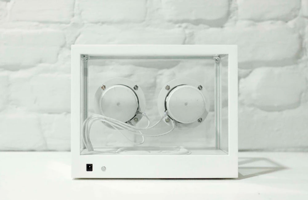 people-people-small-transparent-speaker-3