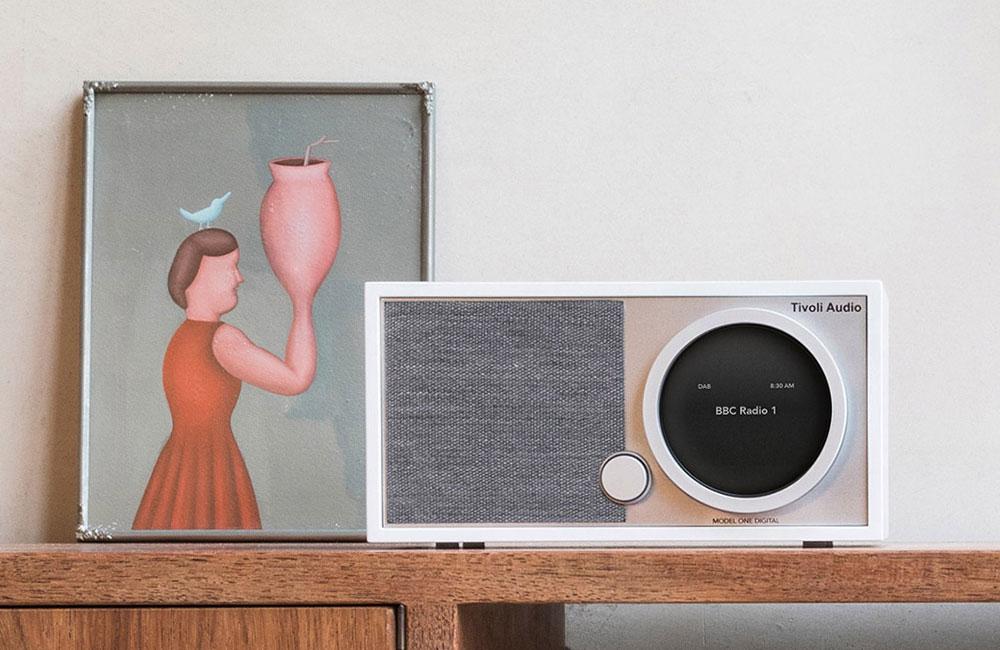 Model-One-Digital-Radio-DAB-Streaming-Spotify-2