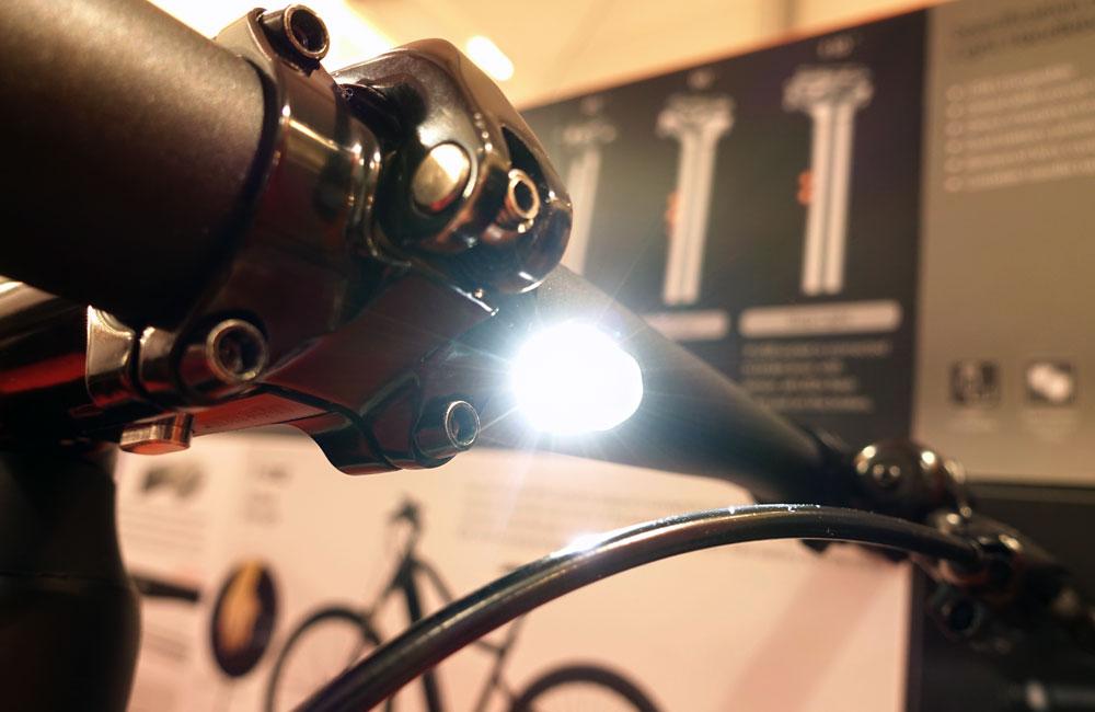 Eurobike-2017-News-Lightskin-Lenker-Scheinwerfer