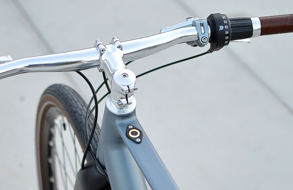 Desiknio-Minimal-Clean-Urban-E-Bike-One-Button