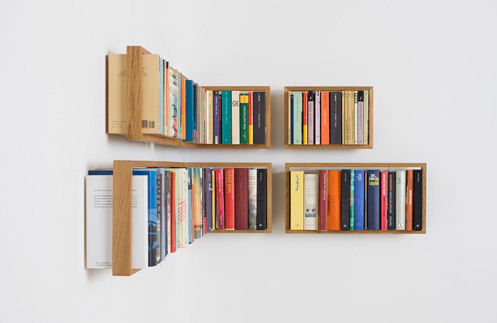 Das-kleine-b-Medien-Buch-Regal-Minimal-Holz-Seite