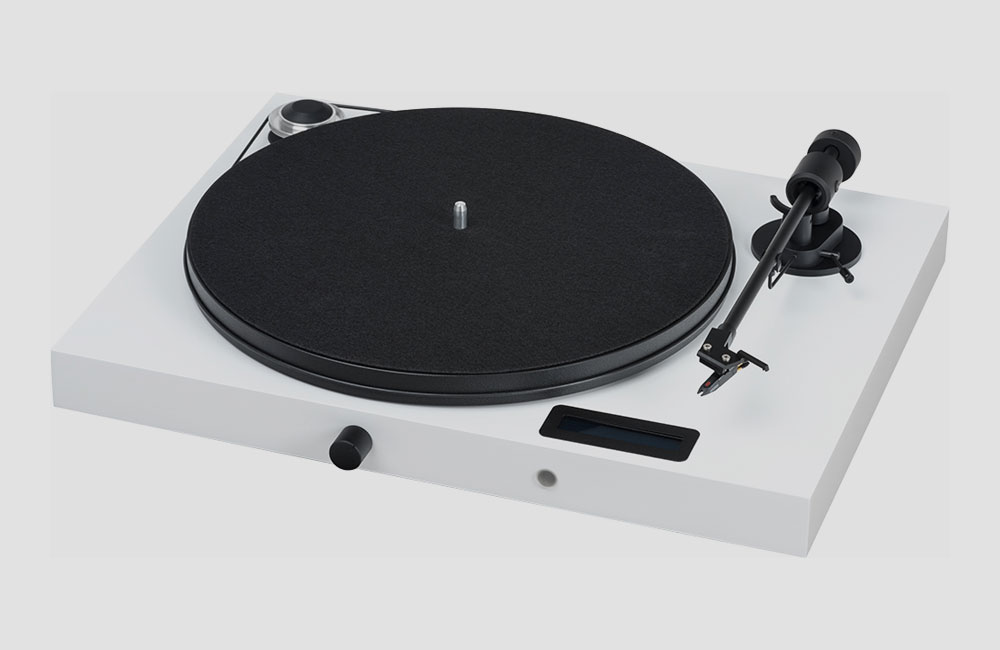 Pro-Ject-Juke-Box-E-All-in-one-HiFi-Stereo-System