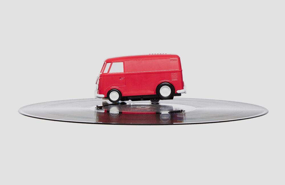 Record-Runner-Soundwagon-V2-Turntable-Plattenspieler-VW-Bulli-Rot